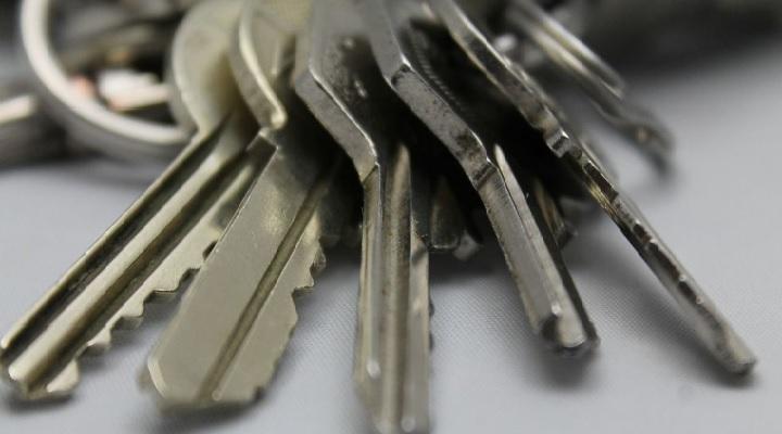 Qué hacer si dejaste las llaves dentro de casa.