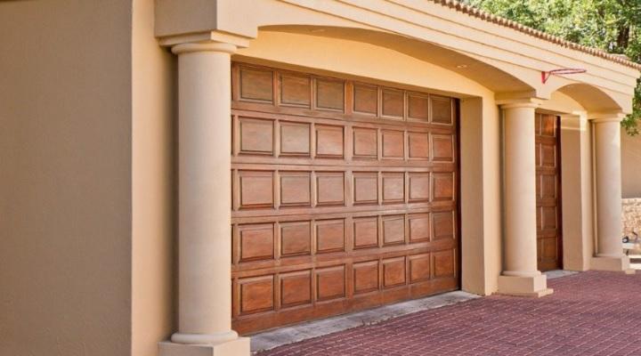 Existen diversos tipos de puertas para garajes